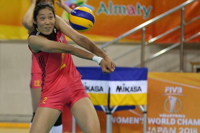 中国女排的荣耀 朱婷张常宁当选第13届人大代表
