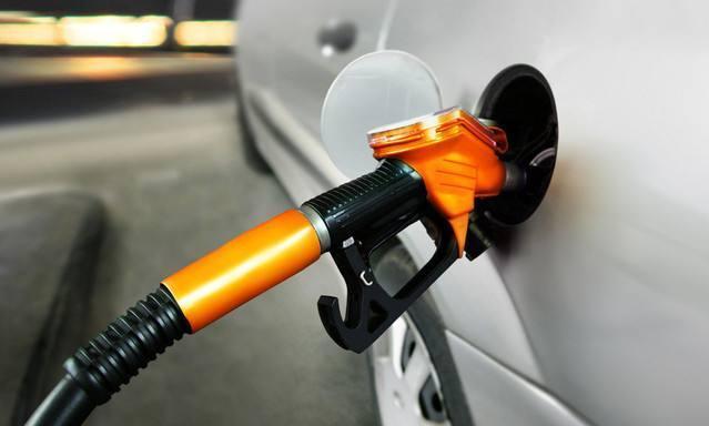 给爱车加油多少合适?这样加才能更好保护车子