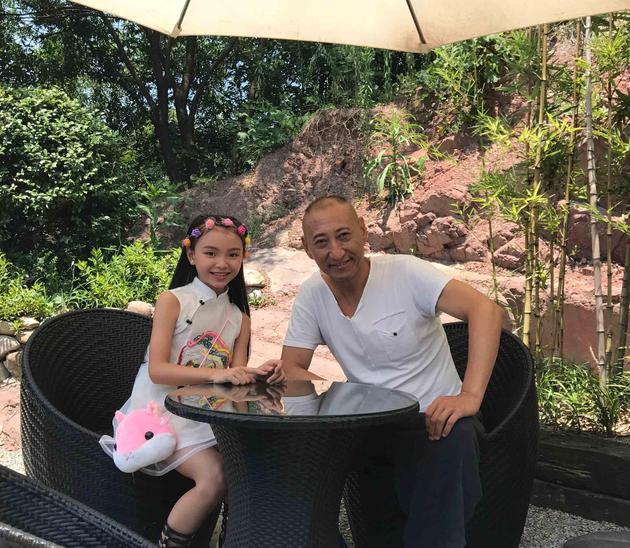 小女神周玥彤与张春仲出演《渣男净化记》