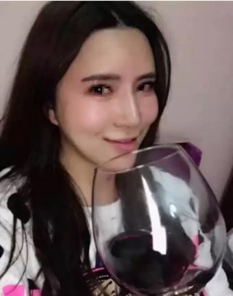中晋炫富女程明真实身份曝光,真有那么白富美吗?