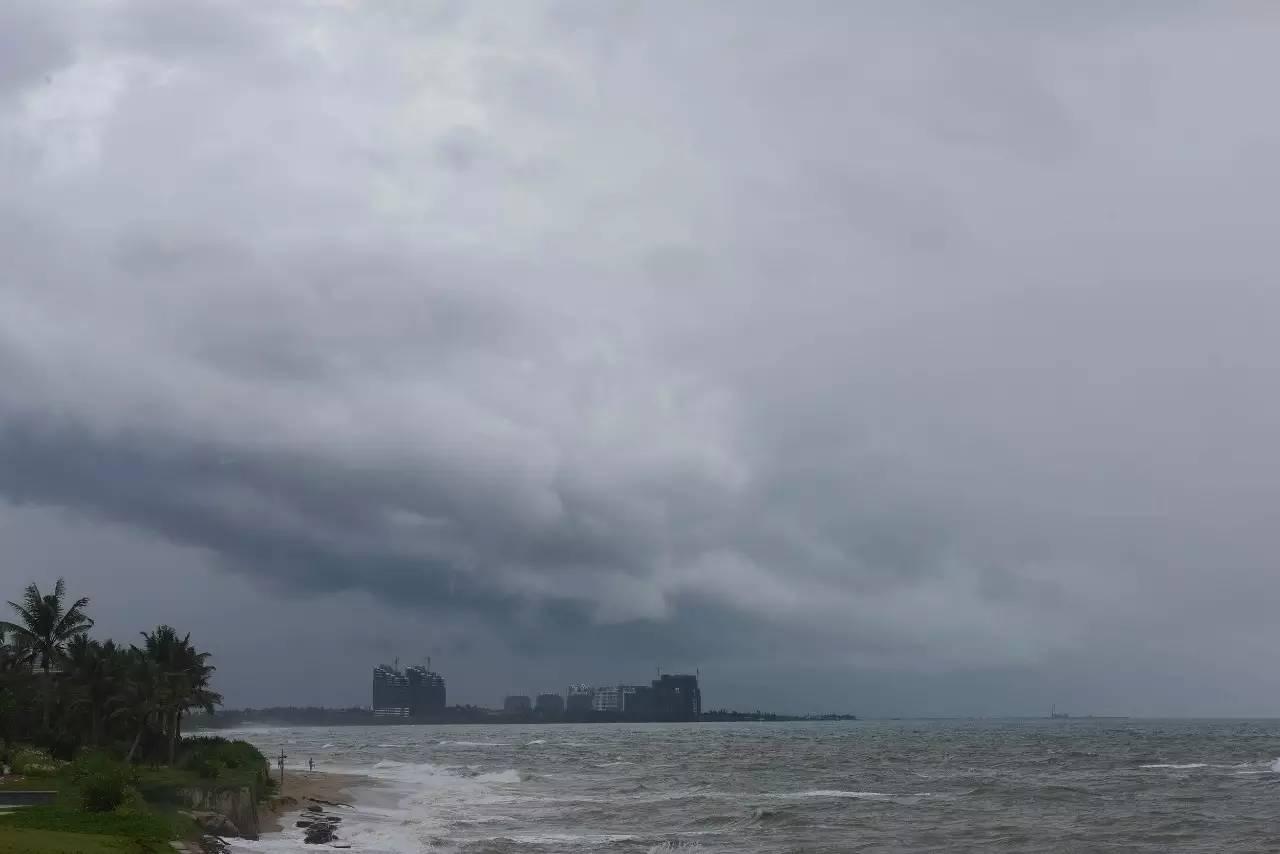 双台风来袭+连续17天高温预警 这些地方要注意