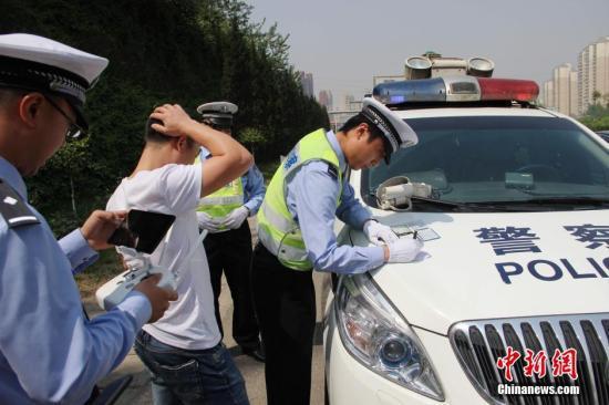 江苏今年逾5万人因交通违法被一次扣光12分